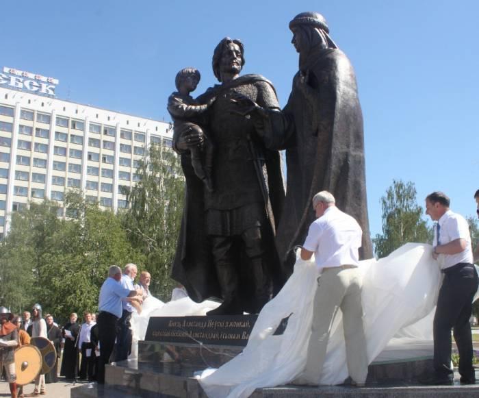 витебск, открытие памятника невскому