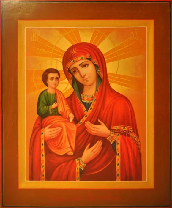 Особенность этой иконы - третья рука у Божией Матери. Фото saveoursouls.ru