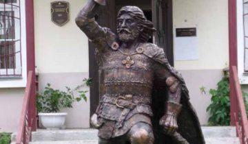 Памятник князю Андрею Полоцкому. Фото autotravel.ru