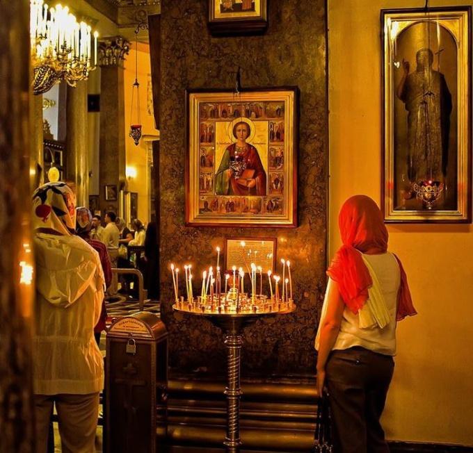 Святой помогает каждому верующему, кто искренне молится. Фото kakprosto.ru