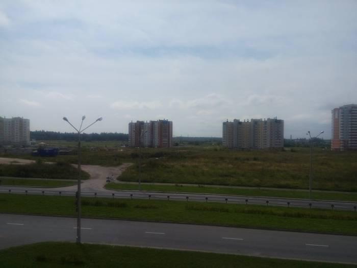 Билево-2. Огороженное место, где якобы строится школа. Фото Александры Мирной
