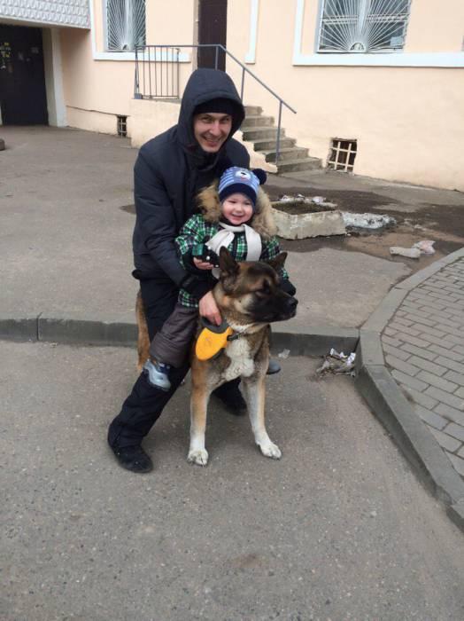 Сын Ани и пес малыш просто обожали друг друга. Фото из личного архива Анны Савко