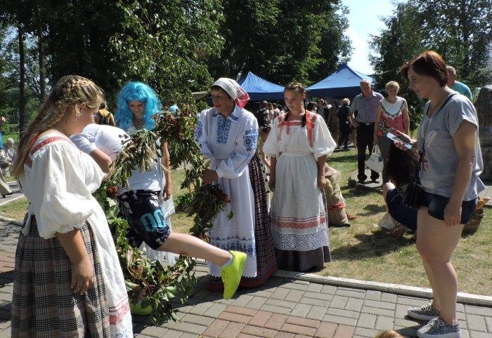 """лепель, фестиваль мифологии, """"в гости к лепельскому цмоку"""""""