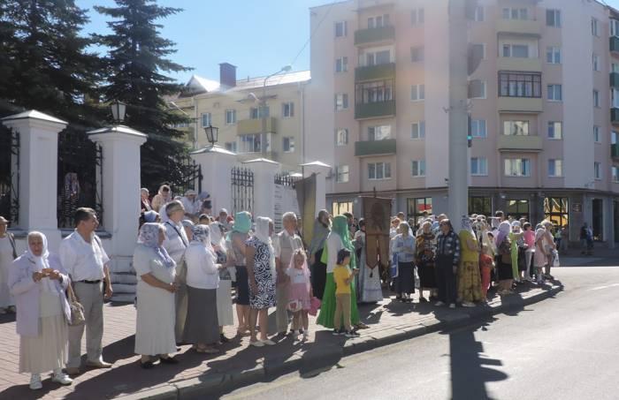 успение пресвятой богородицы в витебске, крестный ход