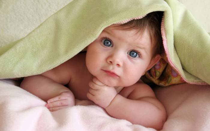 У каждой мамы - самый красивый ребенок. Фото kids365.ru