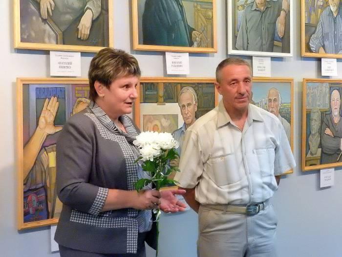 Татьяна Адамян директор областной библиотеки художник Владимир Литвин