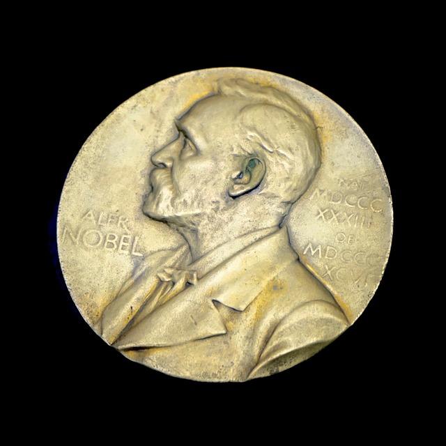 Как минимум тринадцать лауреатов Нобелевской премии связаны с Беларусью, а два из них с Витебском