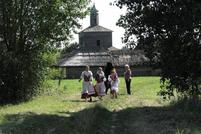 музей народной архитектуры и быта в деревне Озерцо