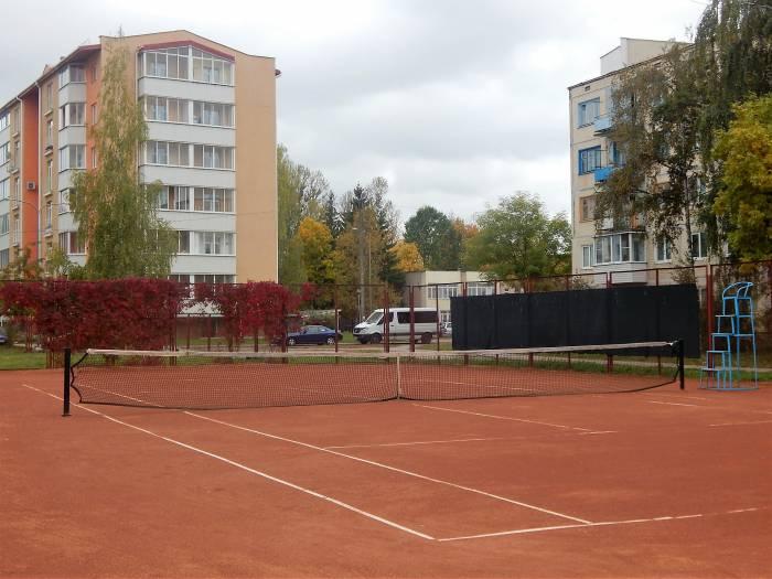 Почему в Витебске практически нет теннисных кортов?