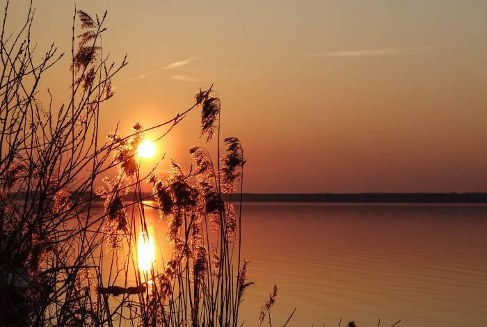 Закат на Лукомльском озере. Фото Анастасии Вереск