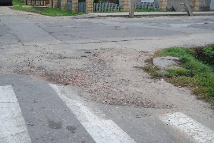 Перекрёсток. Выезд на улицу Ленина. Ф ото Александры Мирной