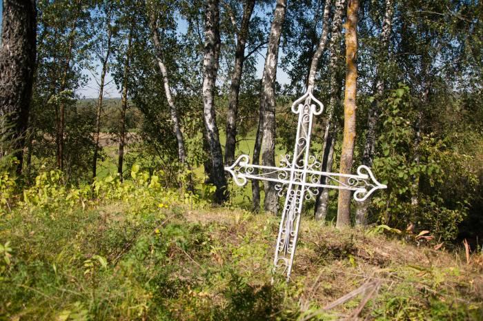 Одна из могил, которые в народе считают святыми. Фото Анастасии Вереск