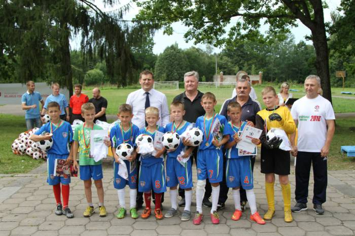 Маленькие футболисты