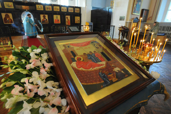 У иконы Пресвятой Богородицы молятся о здоровье детей и просят избавить от бесплодия. Фото trud.ru