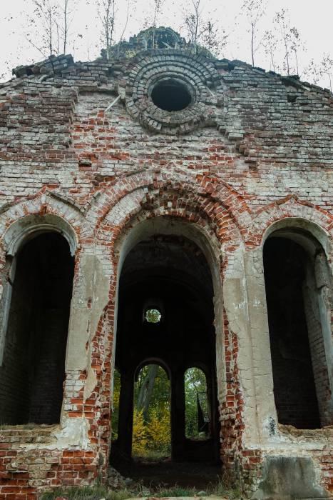 Церковь имела пять входов. Фото Анастасии Вереск