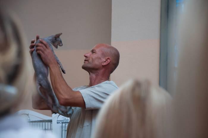 Один из победителей: донской сфинкс со своим хозяином. Фото Анастасии Вереск