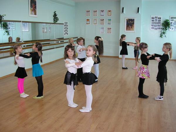 В танцевальных студиях рады даже самым маленьким деткам. Фото dancecommynity.ru
