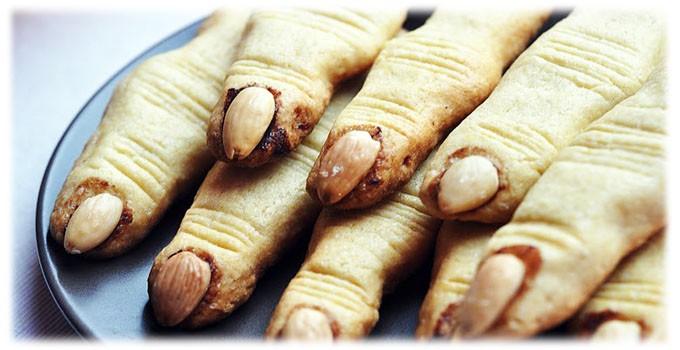 """Печенье """"пальцы ведьмы"""" - популярное угощение на Хеллоуин. Фото spr.ru"""