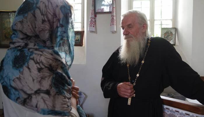 церковь, священник