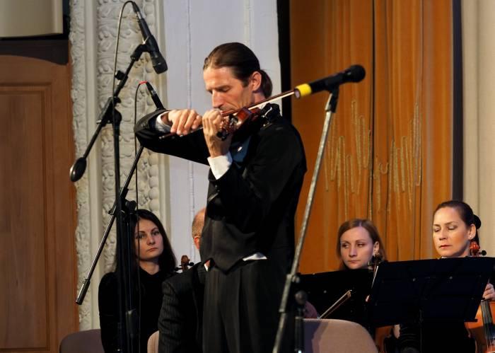 Владислав Миценко скрипач