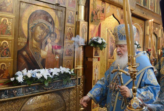 В день памяти иконы во многих храмах проходят праздничные службы. Фото vybor.ru