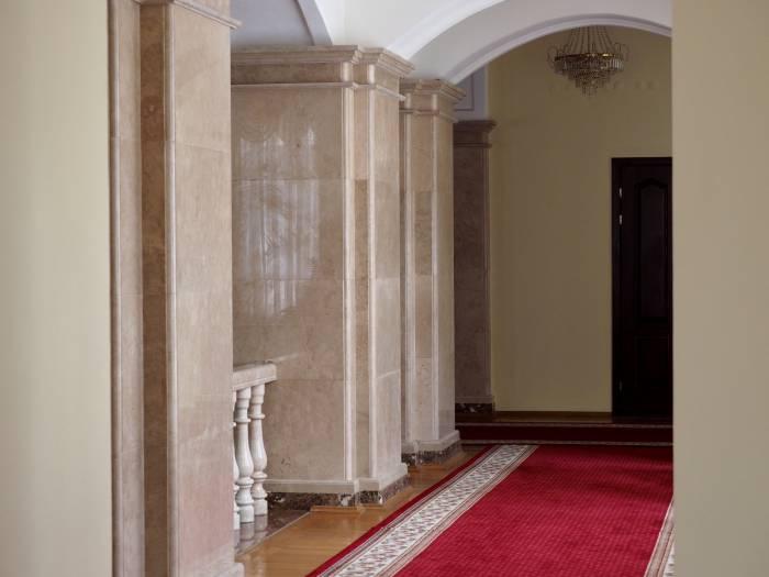 Внутренняя планировка здания облисполкома относится к галерейному типу застройки. Фото Светланы Васильевой