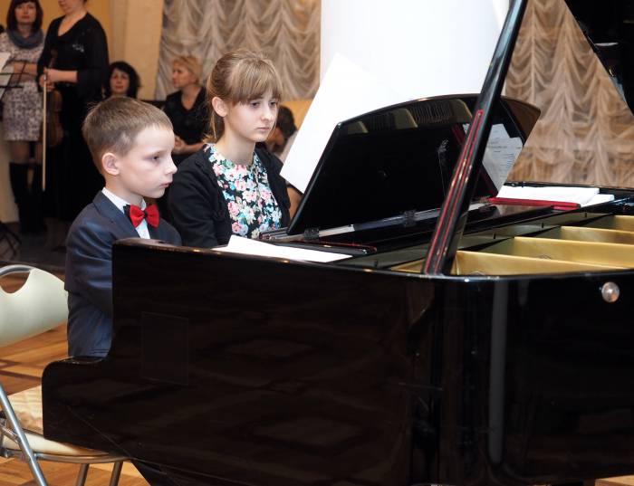 юные музыканты рояль