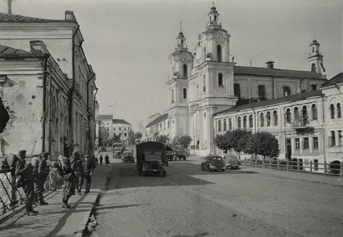 Костел святого Антония на фотографии времен Великой Отечественной войны. Фото evitebsk.com