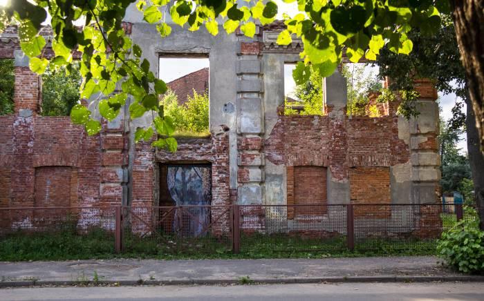 Руины Большой Любавичской синагоги на улице Революционной