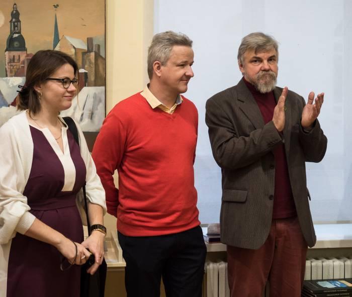 Сокуратор выставки Дзинтарс Адиенис и координатор международного проекта Михаил Цыбульский