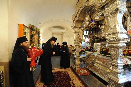 Особые торжества в Покровском монастыре устраивают в День памяти святой (22 ноября). Фото specialistreport.ru