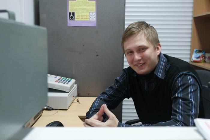 Сергей относится к своей работе позитивно. Фото Анастасии Вереск
