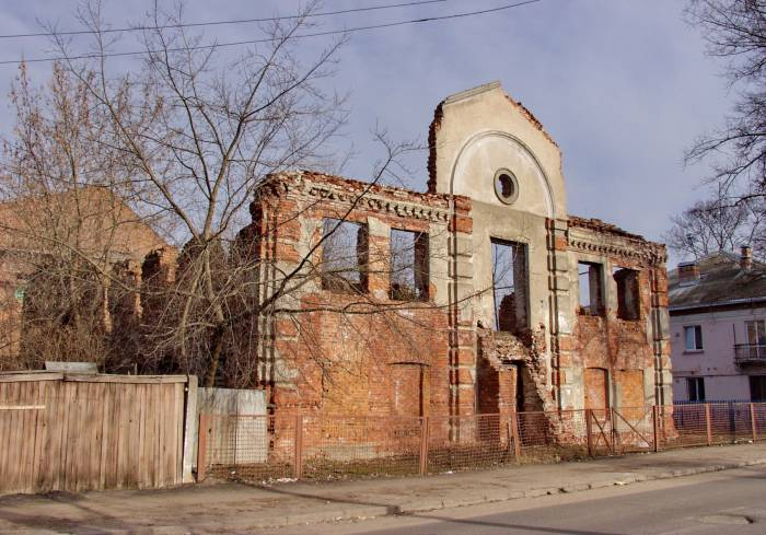 Гнетущее впечатление производит синагога на Революционной. Фото Виктора Борисенкова