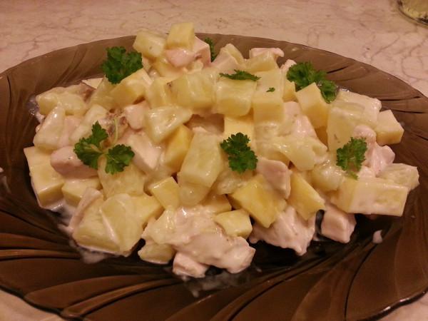 Этот салатик особенно нравится представительницам прекрасного пола. Фото salatyday.ru