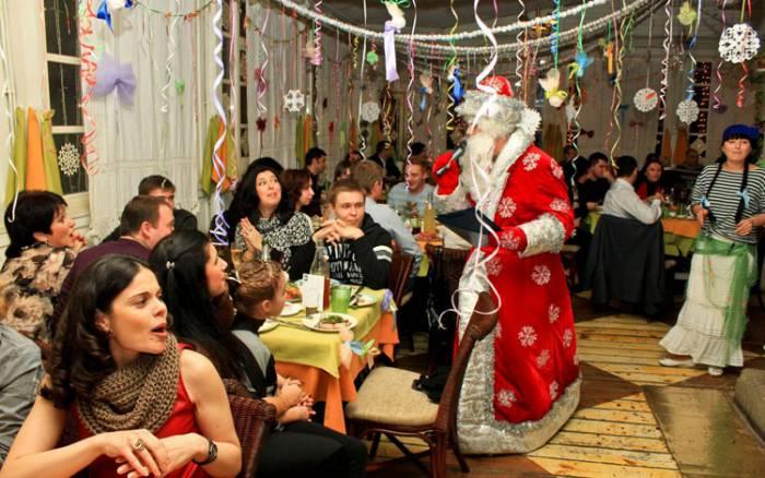 Во всех ресторанх города обещают развлекательную программу. Фото magput.ru