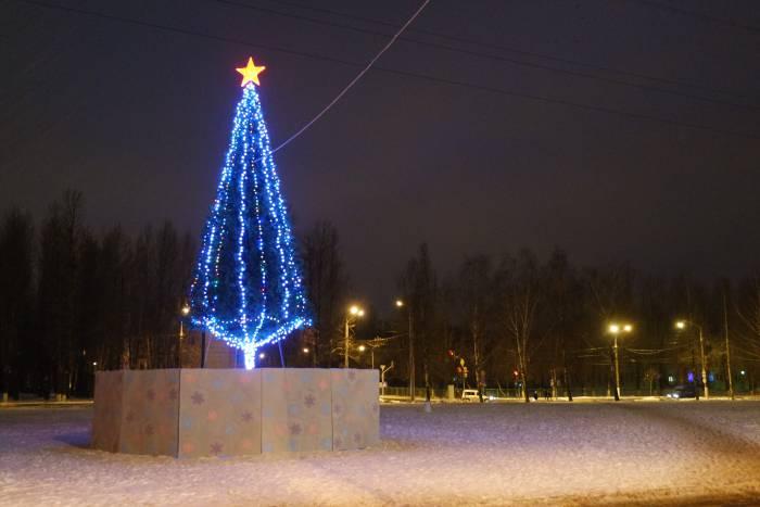 Красная звезда на улице Правды. Фото Анастасии Вереск