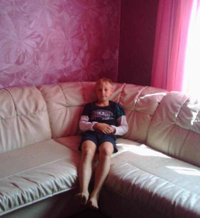 Победа: девятилетний Артур дома! Фото из соцсетей