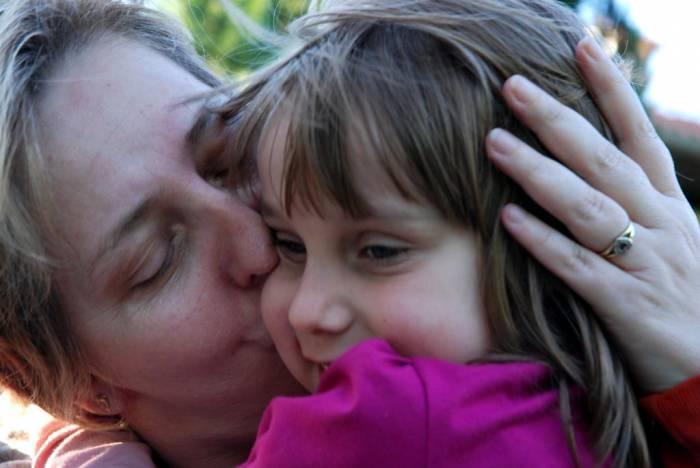 В детском доме о том, что за ним приедт мама, мечтает каждый ребенок. Фото gov.cap.ru