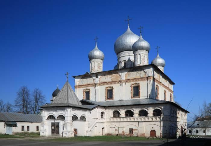 Знаменский собор в Новгороде. Фото worlds.ru