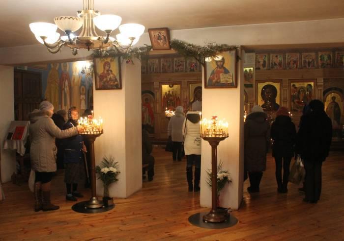 На Крещение принято ходить в церковь. Фото Ольги Витебской