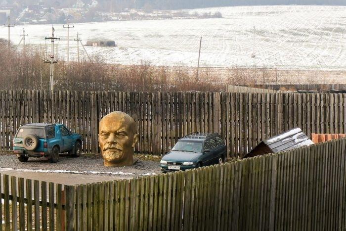 Припаркованный Ильич. Фото Альфред Микус