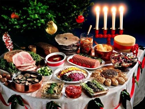 На Щедрый вечер на столе должно быть не менее 12 блюд. Фото svoimi-rukamy.com