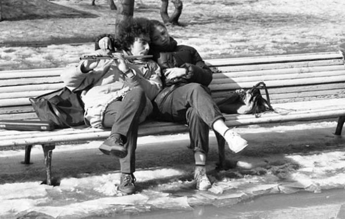 Студенты консерватории на Тверском бульваре. Автор Валерий Христофоров.