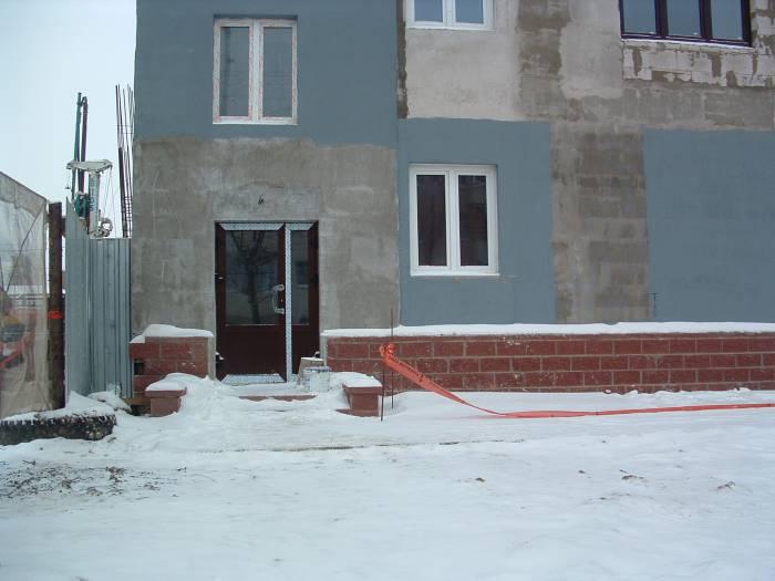 Работы по отделке здания продолжаются. Фото Дарьи Максименко