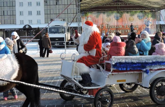 В прошлом году на Рождество на площади было весело. Фото Саши Май