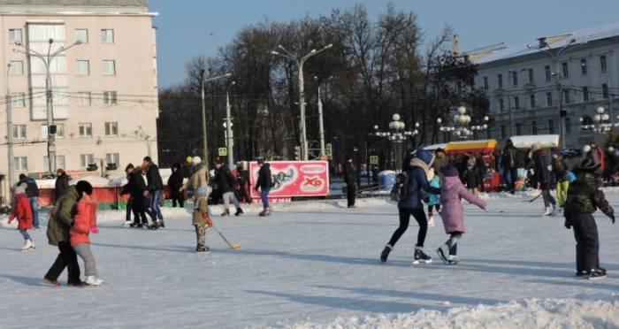В морозную погоду здорово кататься на коньках. Фото Саши Май