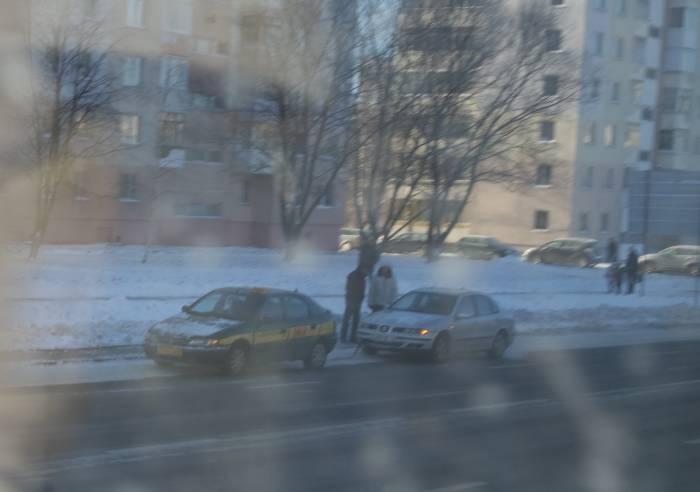 Многим водителям помогают такси. Фото Анастасии Вереск