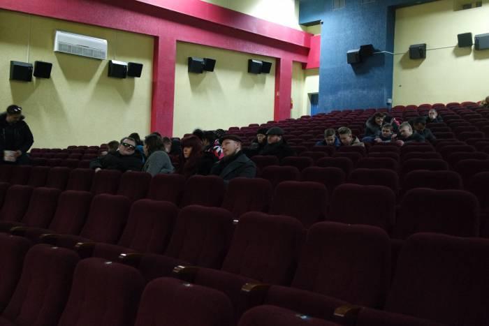 Несмотря на мороз, желающие сходить на дневной сеанс в кино все же нашлись. Фото Анастасии Вереск