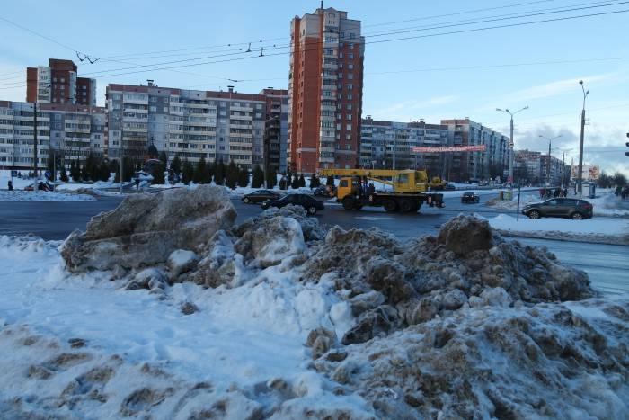 Заснеженные вершины Черняховского проспекта. Фото Анастасии Верескс