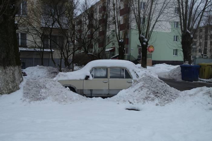 Кому-то не повезло с парковкой. Фото Анастасии Вереск